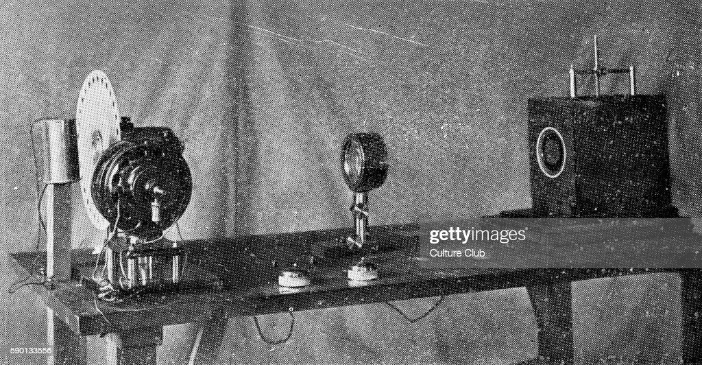 Transmission post of a BŽlinographe / belinograph phototelegraphic apparatus early television apparatus invented by ƒdouard Belin Published in June...