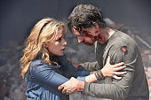 AFFAIRS 'Transport Is Arranged' Episode 514 Pictured Piper Perabo as Annie Walker Christopher Gorham as Auggie Anderson