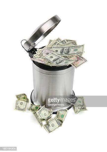 Poubelle et de l'argent avec un Tracé de détourage