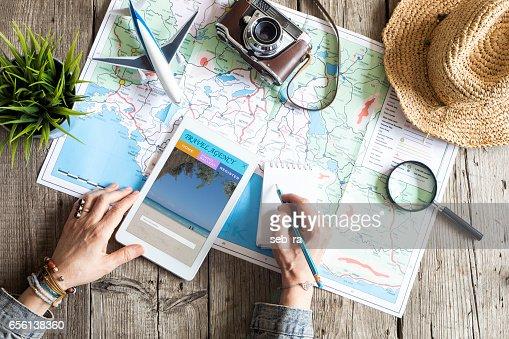 マップ上の旅行計画コンセプト : ストックフォト