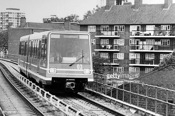 Travel Transport Cities England London pic 1988 The Docklands Light Railway Isle of Dogs London