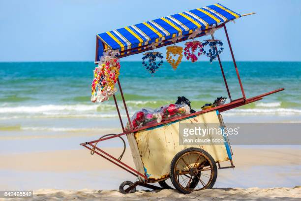 traveling trailer selling decorative objects in shells