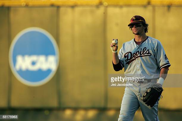 Travis Buck of the Arizona State Sun Devils plays the field during game 13 of the 59th College World Series with the Florida Gators at Rosenblatt...