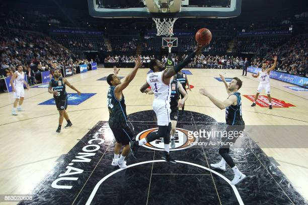 Travis Leslie of the Kings with a reverse layup during the round three NBL match between the New Zealand Breakers and the Sydney Kings at Spark Arena...