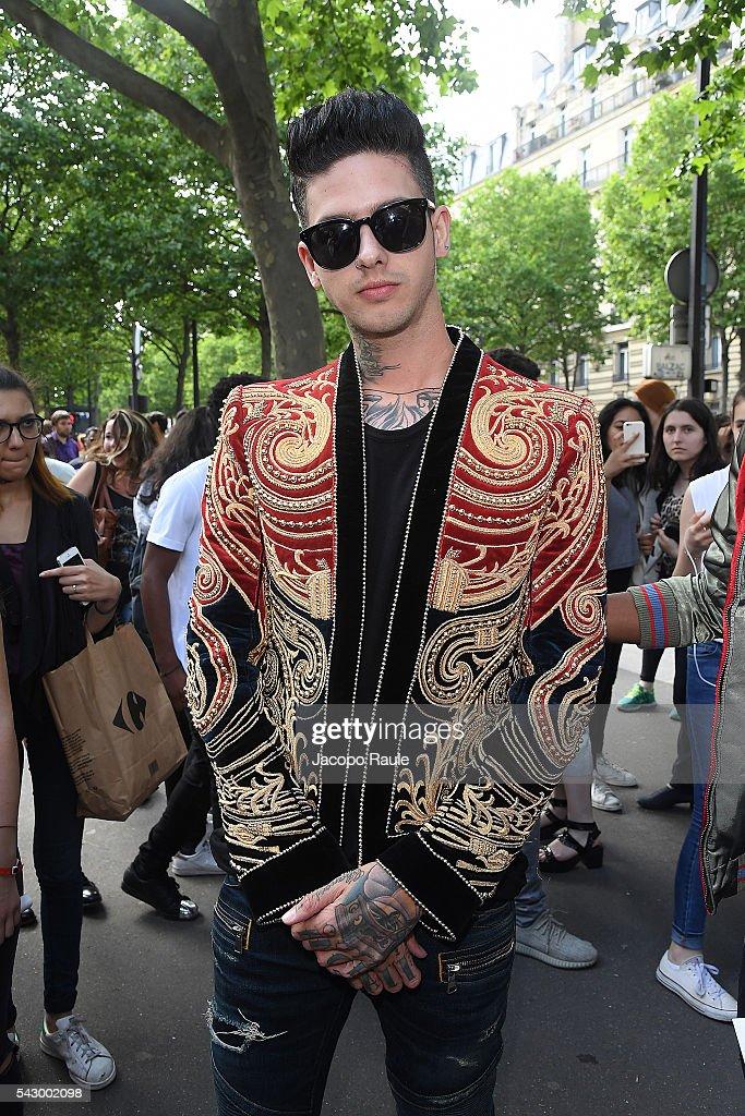 Travis Mills is seen arriving at Balmain Show duirng the Paris Fashion Week - Menswear Spring/Summer 2017 on June 25, 2016 in Paris, France.