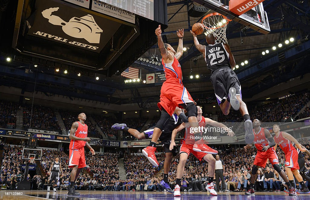 <a gi-track='captionPersonalityLinkClicked' href=/galleries/search?phrase=Travis+Outlaw&family=editorial&specificpeople=203322 ng-click='$event.stopPropagation()'>Travis Outlaw</a> #25 of the Sacramento Kings shoots the ball against the Los Angeles Clippers on November 1, 2013 at Sleep Train Arena in Sacramento, California.