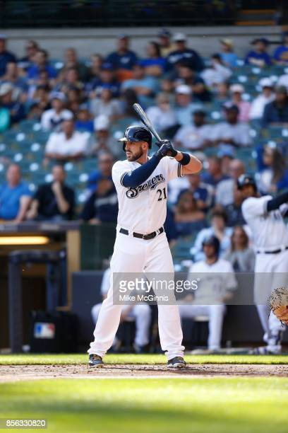 Travis Shaw of the Milwaukee Brewers gets ready for the next pitch during the game against the Cincinnati Reds at Miller Park on September 28 2017 in...