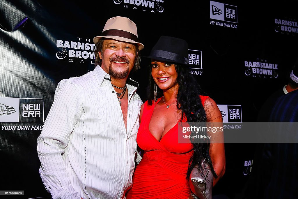 <a gi-track='captionPersonalityLinkClicked' href=/galleries/search?phrase=Travis+Tritt&family=editorial&specificpeople=215125 ng-click='$event.stopPropagation()'>Travis Tritt</a> and Theresa Nelson seen at the New Era Cap tent at The Barnstable Brown Gala on May 3, 2013 in Louisville, Kentucky.