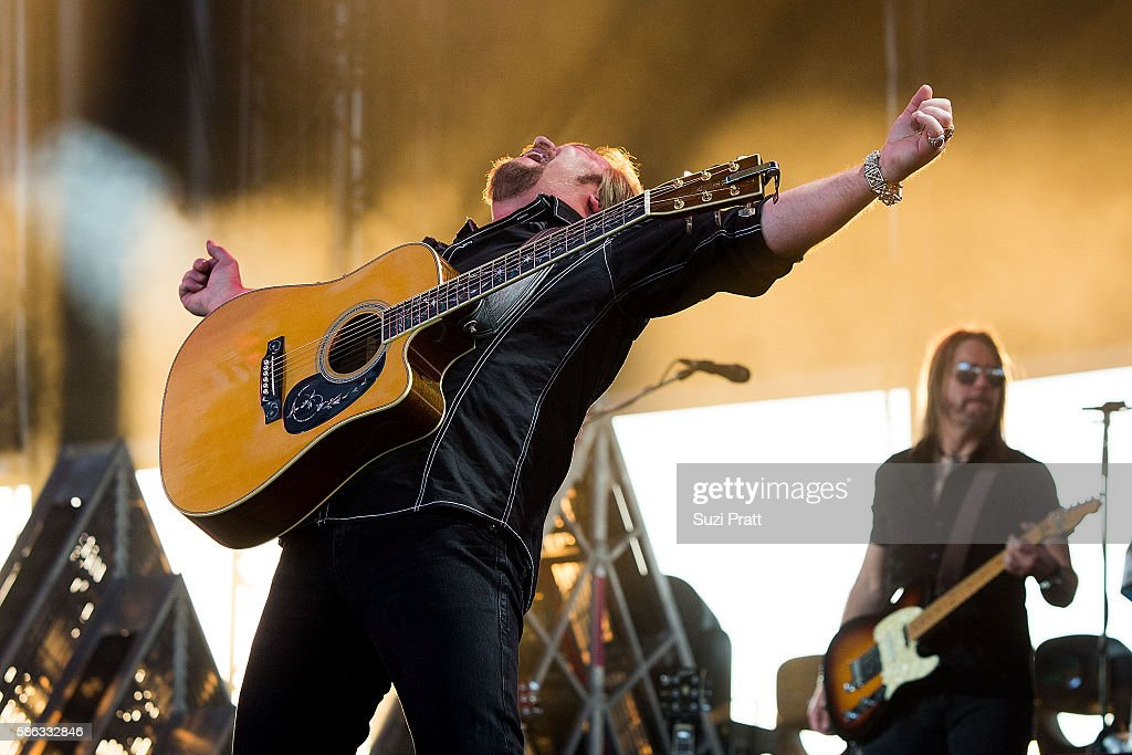 Travis Tritt performs at the second weekend of Watershed Music Festival at Gorge Amphitheatre on August 5, 2016 in George, Washington.