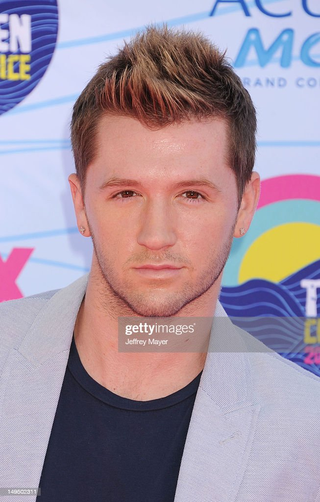 Travis Wall arrives at the 2012 Teen Choice Awards at Gibson Amphitheatre on July 22, 2012 in Universal City, California.