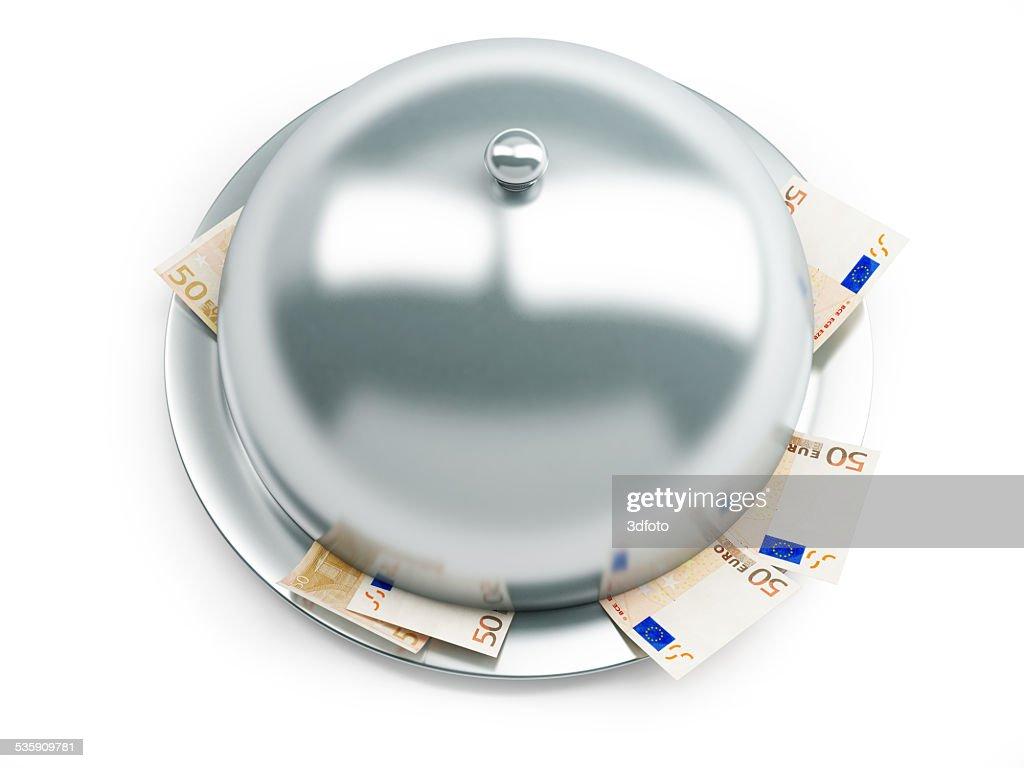 Bandeja de euros de dinero sobre un fondo blanco : Foto de stock