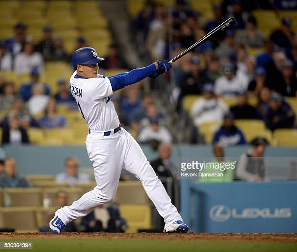 Trayce Thompson of the Los Angeles Dodgers hits a walk off pinch hit one run home run to defeat the New York Mets 32 during the ninth inning of the...