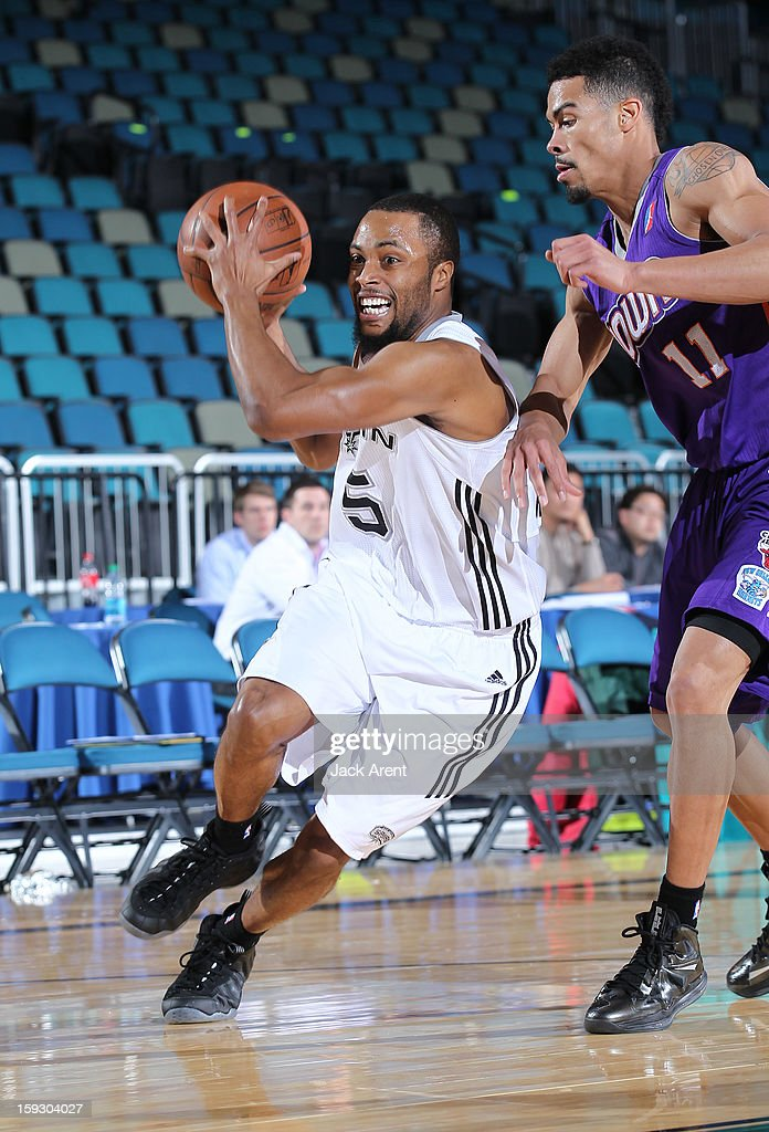 Tre Kelley #5 of the Austin Toros dribbles the ball against the Iowa Energy during the 2013 NBA D-League Showcase on January 10, 2013 at the Reno Events Center in Reno, Nevada.