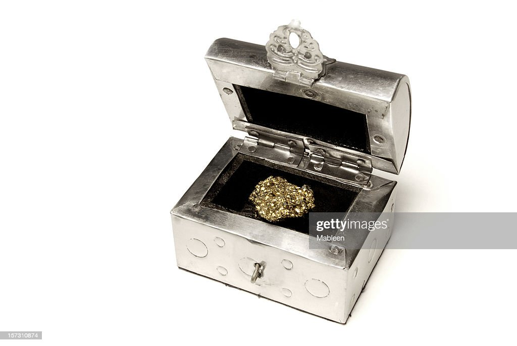 Treasure chest, clipping path : Stock Photo