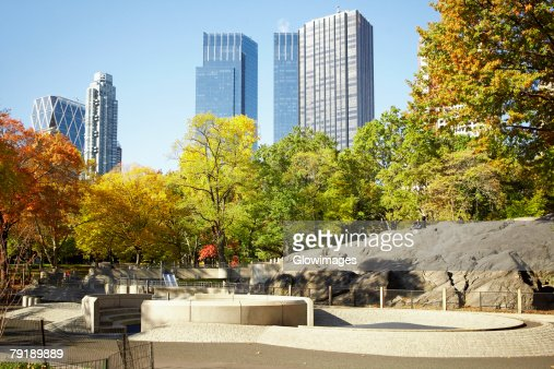 Trees in front of a building, Central Park, Manhattan, New York City, New York State, USA : Foto de stock