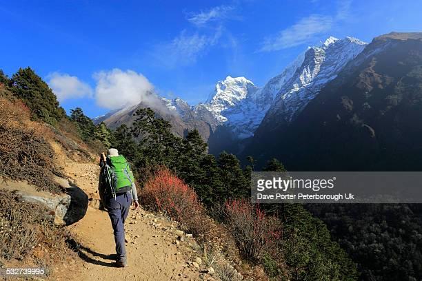 Trekkers on the Tengboche Pass, Everest base camp