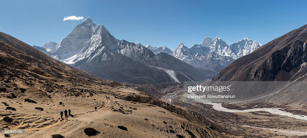 Trekking trail from Dingboche to Lobuche village, Everest region