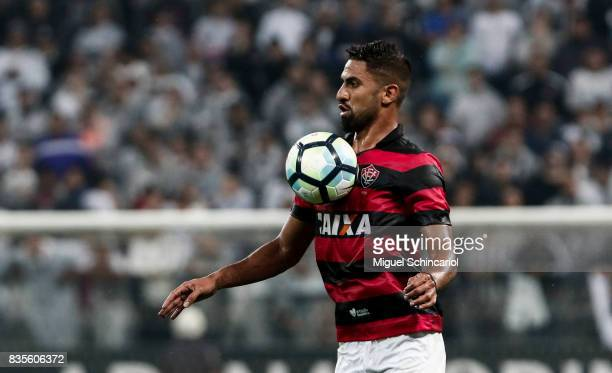 Trellez of Vitoria conducts the ball during the match between Corinthians and Vitoria for the Brasileirao Series A 2017 at Arena Corinthians Stadium...