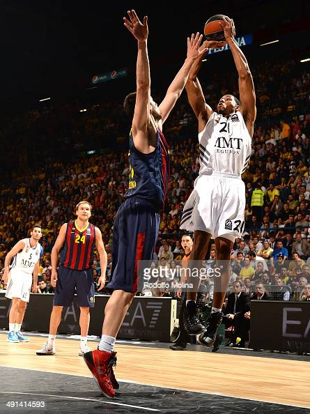 Tremmell Darden #21 of Real Madrid in action during the Turkish Airlines EuroLeague Final Four Semi Final A between FC Barcelona vs Real Madrid at...