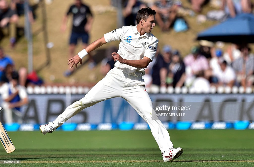 Trent Boult of New Zealand bowls during the first cricket Test match between New Zealand and Australia at the Basin Reserve in Wellington on February 12, 2016. AFP PHOTO / MARTY MELVILLE / AFP / Marty Melville