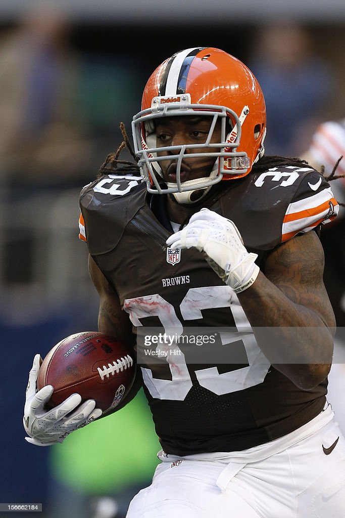<a gi-track='captionPersonalityLinkClicked' href=/galleries/search?phrase=Trent+Richardson&family=editorial&specificpeople=5653463 ng-click='$event.stopPropagation()'>Trent Richardson</a> #33 of the Cleveland Browns runs the ball against the Dallas Cowboys at Cowboys Stadium on November 18, 2012 in Arlington, Texas. The Cowboys defeated the Browns 23-20.