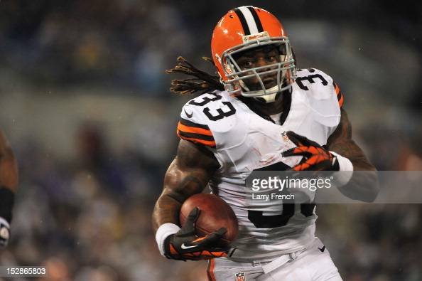 Trent Richardson of the Cleveland Browns scores a touchdown against the Baltimore Ravens at MT Bank Stadium on September 27 2012 in Baltimore...