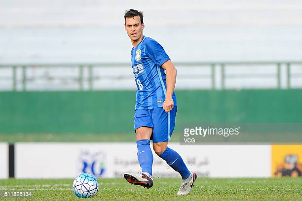 Trent Sainsbury Jiangsu Suning drives the ball during the AFC Champions League Group E match between Becamex Binh Duong and Jiangsu Suning at Binh...