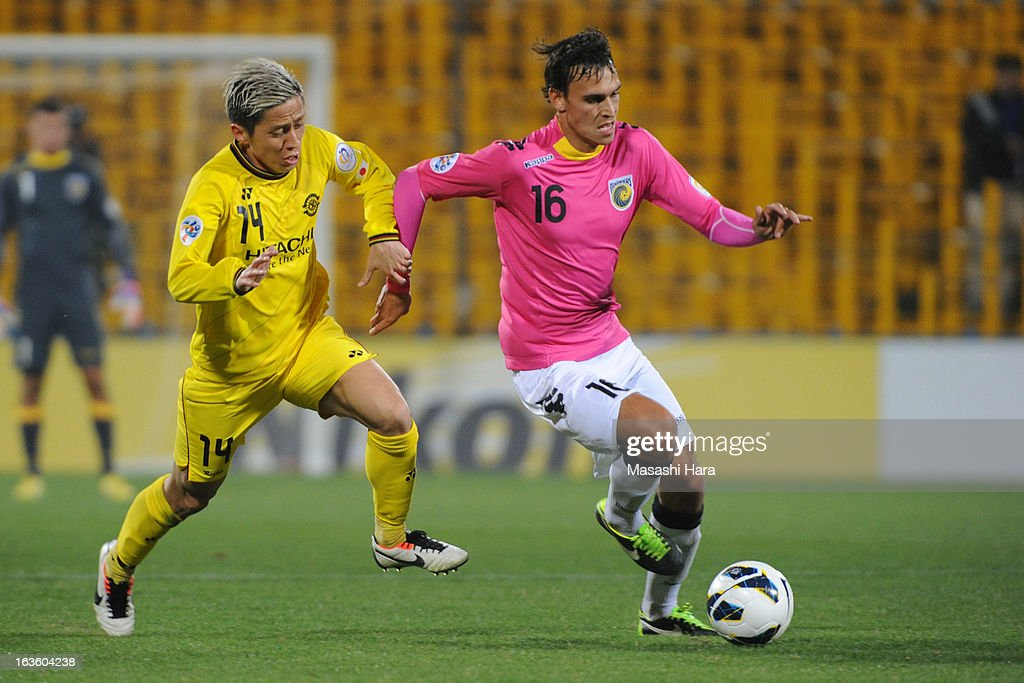 Trent Sainsbury #16 of Central Coast Mariners in action during the AFC Champions League Group H match between Kashiwa Reysol and Central Coast Mariners at Hitachi Kashiwa Soccer Stadium on March 13, 2013 in Kashiwa, Chiba, Japan.
