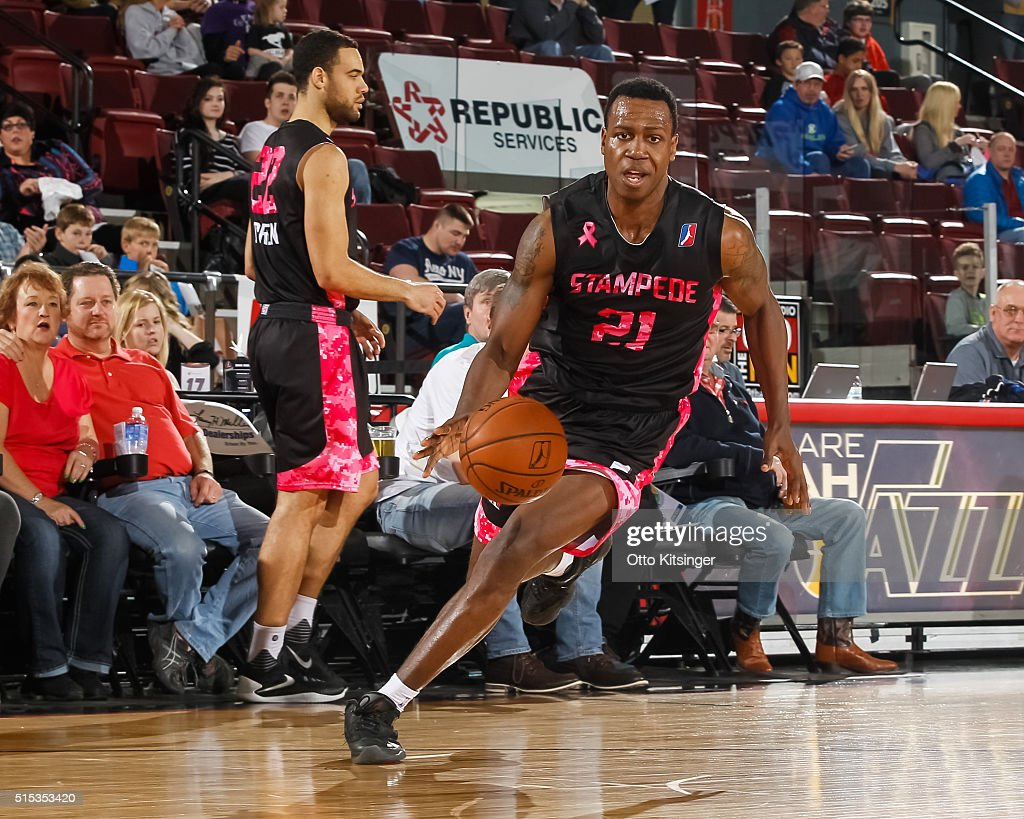 <a gi-track='captionPersonalityLinkClicked' href=/galleries/search?phrase=Treveon+Graham&family=editorial&specificpeople=8702328 ng-click='$event.stopPropagation()'>Treveon Graham</a> #21 of the Idaho Stampede drives to the basket against the Austin Spurs at CenturyLink Arena on March 12, 2016 in Boise, Idaho.