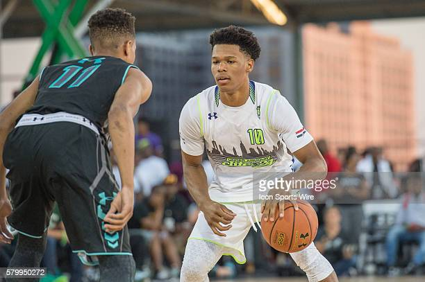 Trevon Duval sets the play during the first half of the Under Armour Elite 24 game at Brooklyn Bridge Park in Brooklyn NY