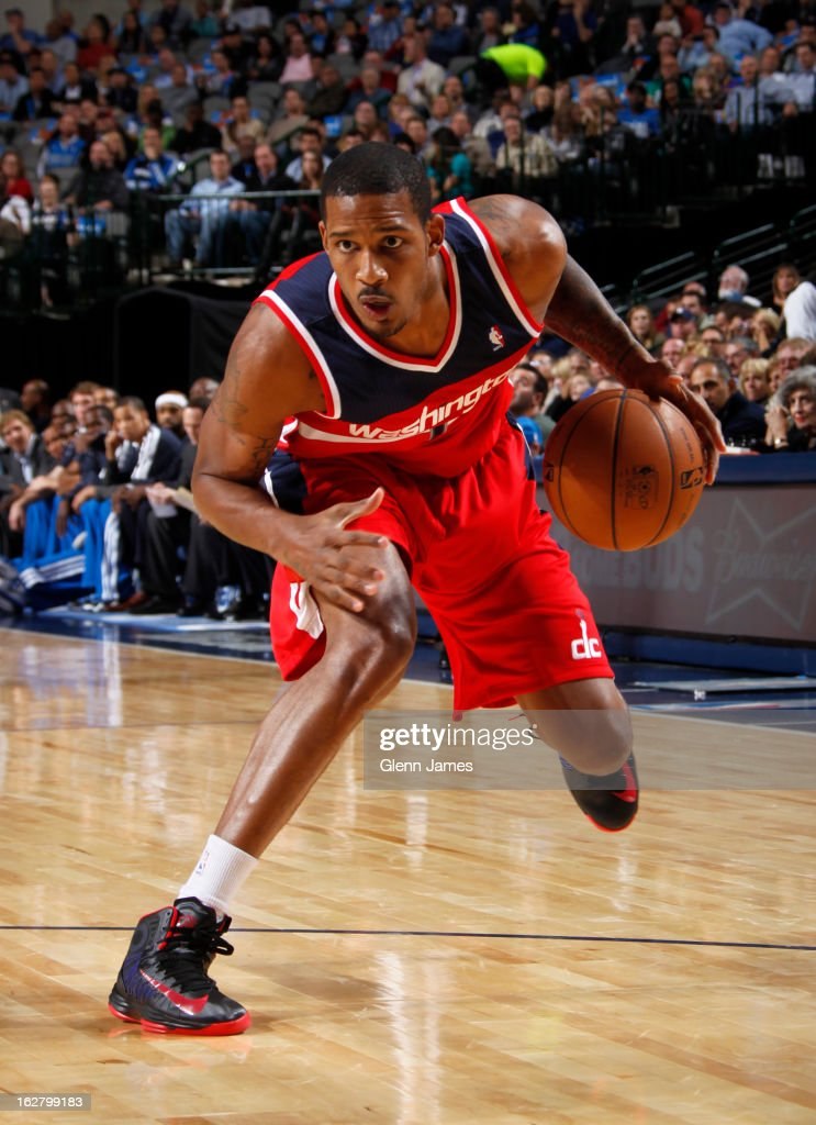 <a gi-track='captionPersonalityLinkClicked' href=/galleries/search?phrase=Trevor+Ariza&family=editorial&specificpeople=201708 ng-click='$event.stopPropagation()'>Trevor Ariza</a> #1 of the Washington Wizards drives to the basket against the Dallas Mavericks on November 14, 2012 at the American Airlines Center in Dallas, Texas.