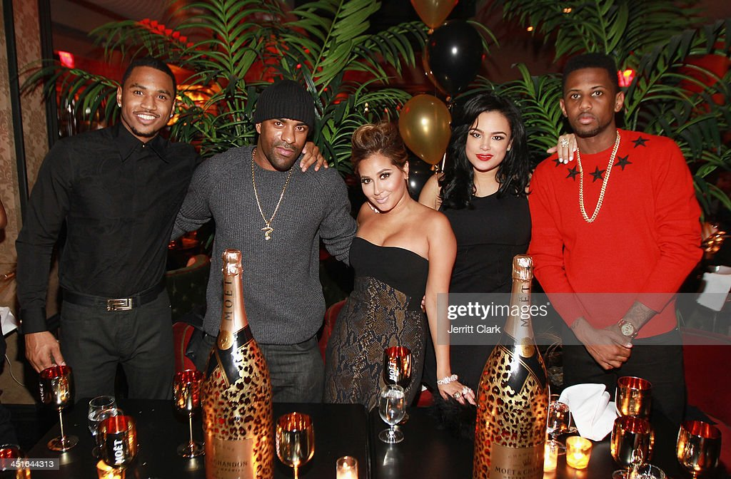 <a gi-track='captionPersonalityLinkClicked' href=/galleries/search?phrase=Trey+Songz&family=editorial&specificpeople=674835 ng-click='$event.stopPropagation()'>Trey Songz</a>, <a gi-track='captionPersonalityLinkClicked' href=/galleries/search?phrase=DJ+Clue&family=editorial&specificpeople=211351 ng-click='$event.stopPropagation()'>DJ Clue</a>, <a gi-track='captionPersonalityLinkClicked' href=/galleries/search?phrase=Adrienne+Bailon&family=editorial&specificpeople=540286 ng-click='$event.stopPropagation()'>Adrienne Bailon</a>, Emily B. and <a gi-track='captionPersonalityLinkClicked' href=/galleries/search?phrase=Fabolous&family=editorial&specificpeople=215255 ng-click='$event.stopPropagation()'>Fabolous</a> celebrate <a gi-track='captionPersonalityLinkClicked' href=/galleries/search?phrase=Trey+Songz&family=editorial&specificpeople=674835 ng-click='$event.stopPropagation()'>Trey Songz</a> and <a gi-track='captionPersonalityLinkClicked' href=/galleries/search?phrase=Fabolous&family=editorial&specificpeople=215255 ng-click='$event.stopPropagation()'>Fabolous</a>' birthday dinner at Cherry on November 22, 2013 in New York City.