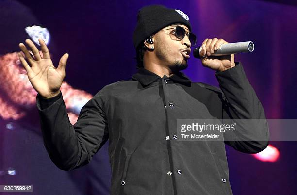 Trey Songz performs during 106KMEL's HipHop Holiday and House Of Soul at ORACLE Arena on December 18 2016 in Oakland California