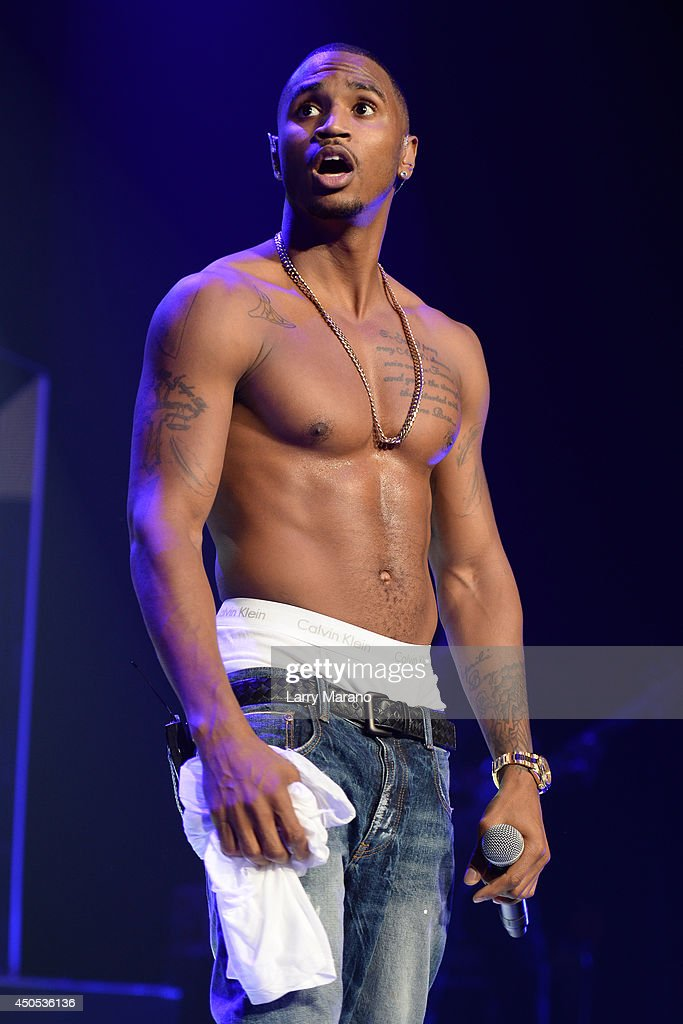 <a gi-track='captionPersonalityLinkClicked' href=/galleries/search?phrase=Trey+Songz&family=editorial&specificpeople=674835 ng-click='$event.stopPropagation()'>Trey Songz</a> performs during the 103.5 The Beat Down concert at BB&T Center on June 12, 2014 in Sunrise, Florida.