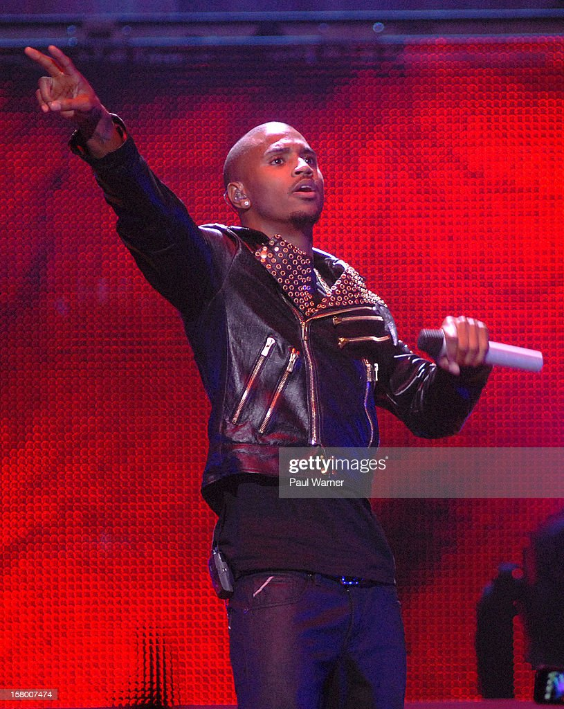 <a gi-track='captionPersonalityLinkClicked' href=/galleries/search?phrase=Trey+Songz&family=editorial&specificpeople=674835 ng-click='$event.stopPropagation()'>Trey Songz</a> performs in concert at Fox theater on December 7, 2012 in Detroit, Michigan.