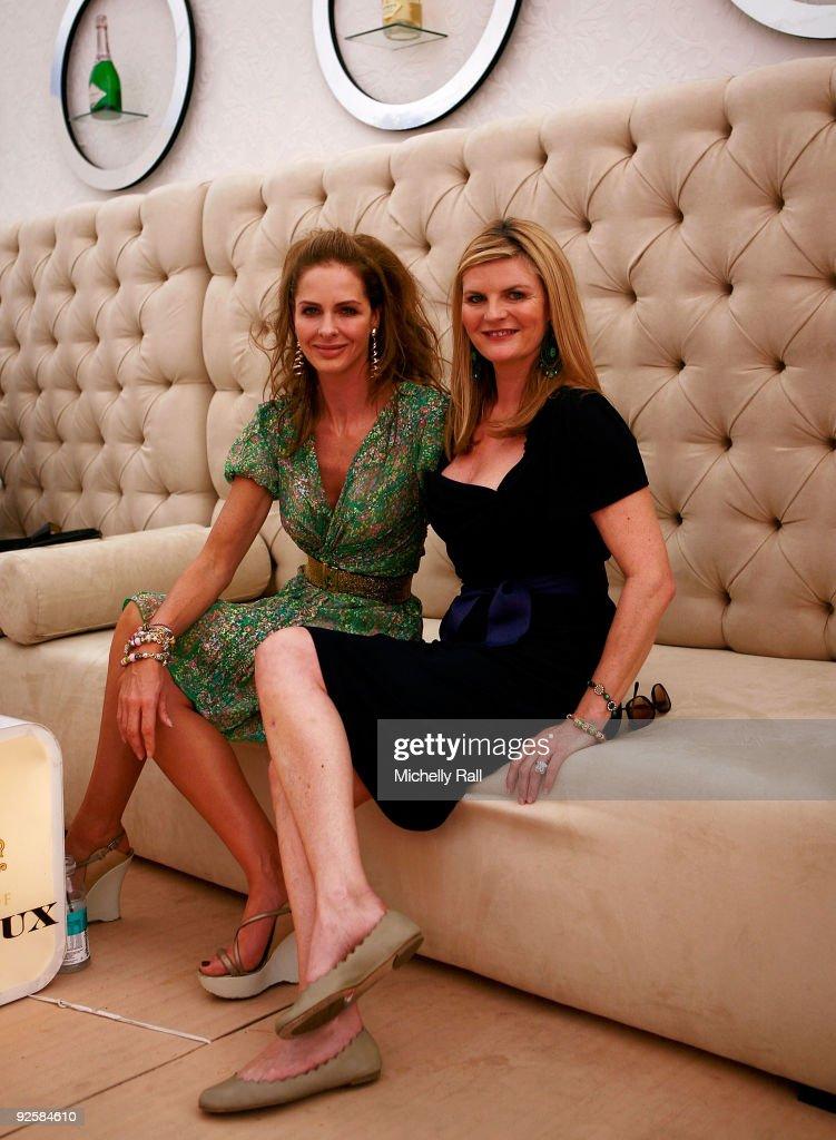 Trinny & Susannah Book Signing - Photocall