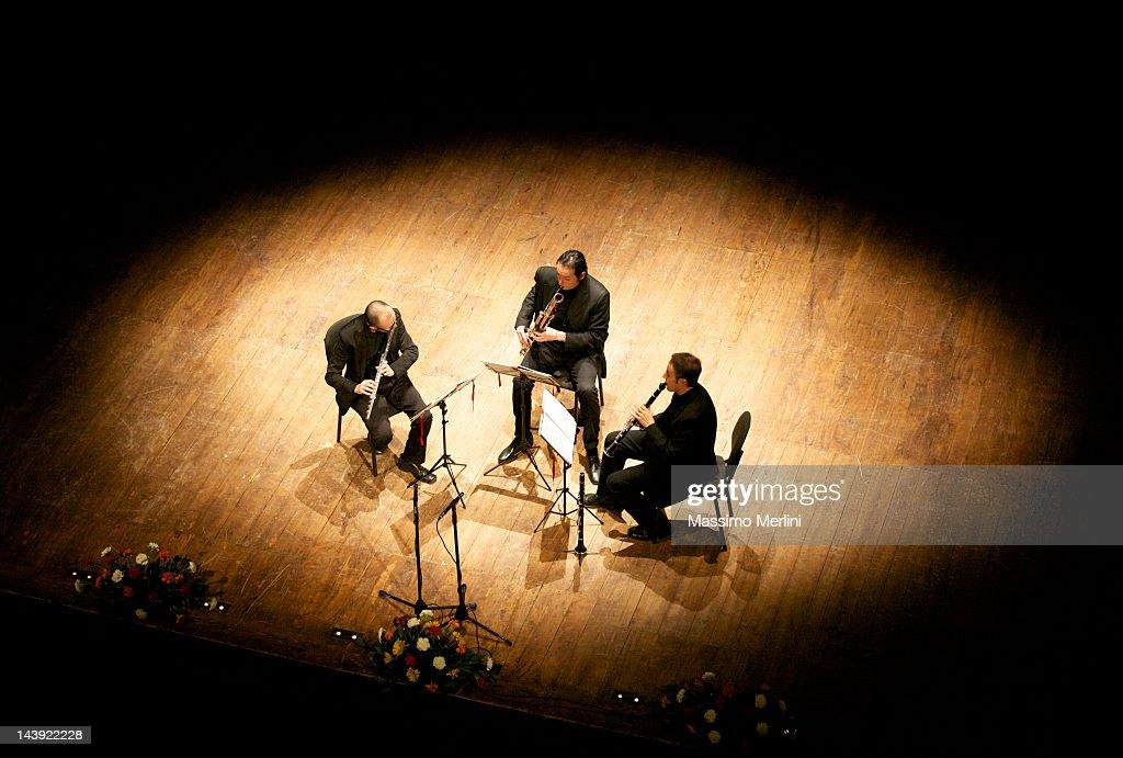 Trio Eccentrico : Stock Photo