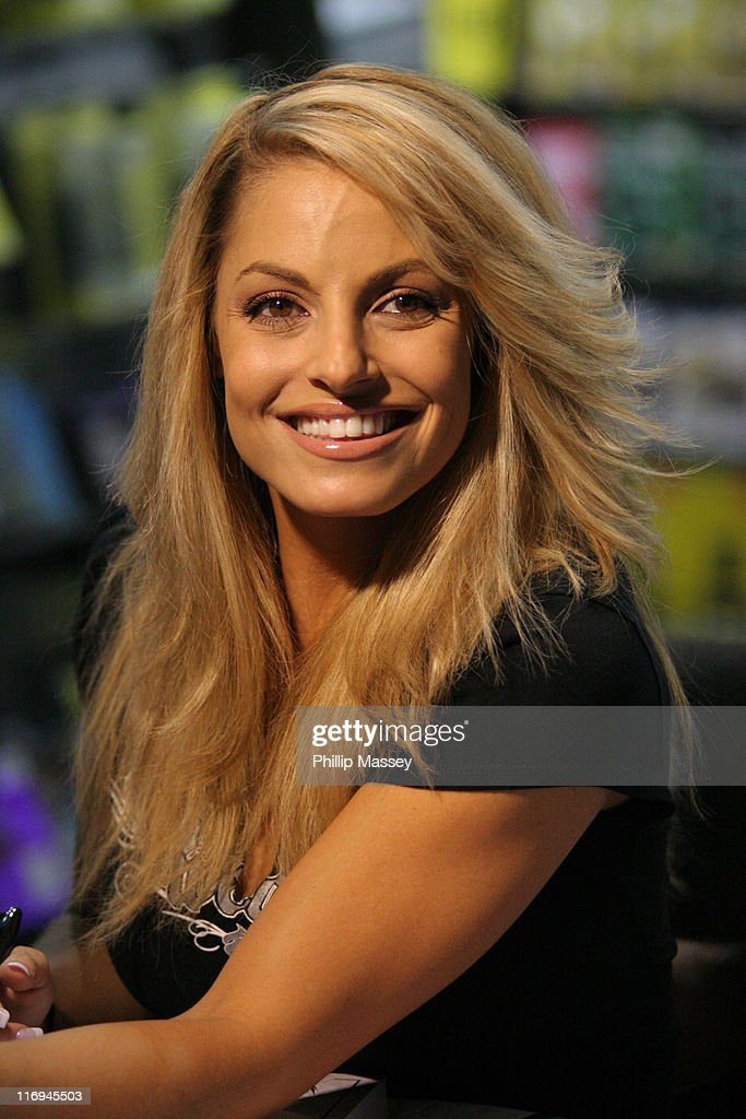 Trish Stratus Nude Photos 6
