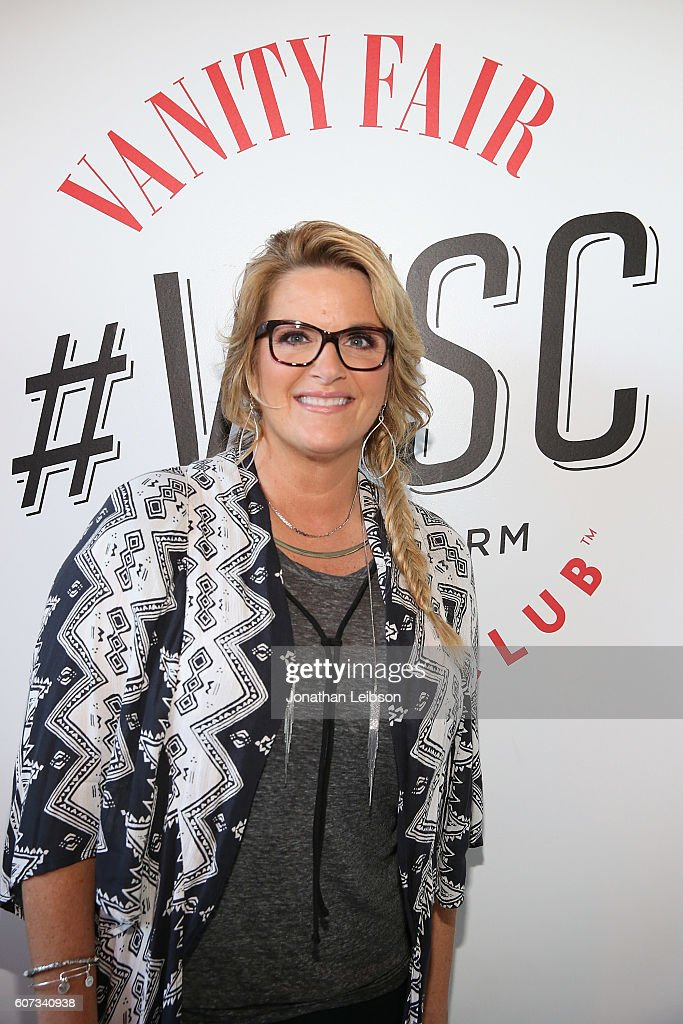 Trisha Yearwood attends the 2016 Vanity Fair Social Club For Emmy Weekend at PLATFORM on September 17, 2016 in Culver City, California.