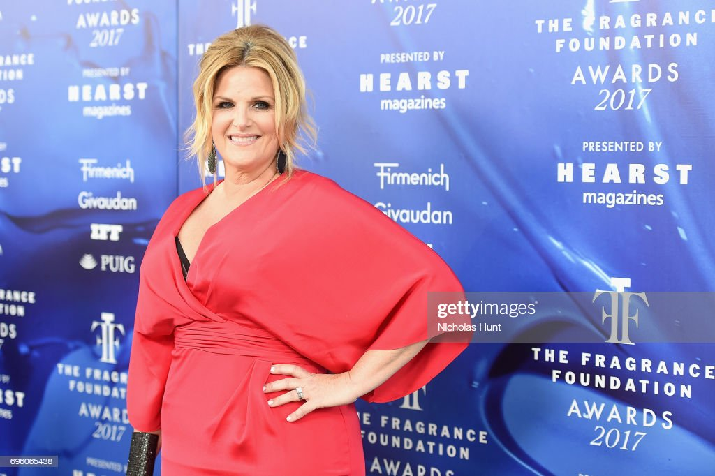 Trisha Yearwood attends the 2017 Fragrance Foundation Awards Presented By Hearst Magazines at Alice Tully Hall on June 14, 2017 in New York City.
