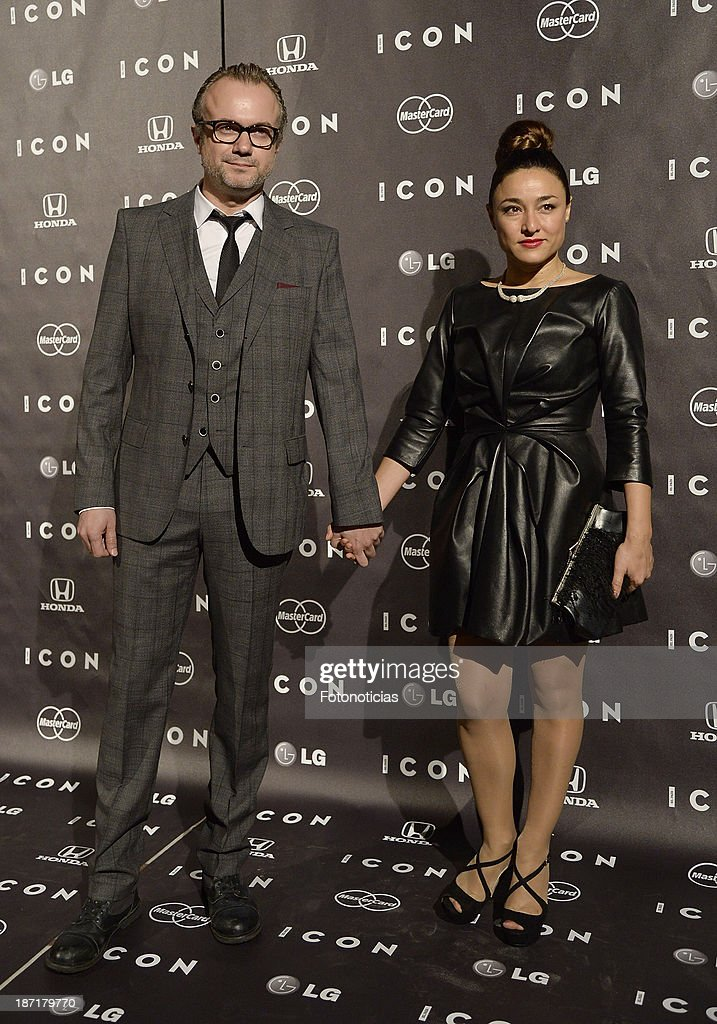 <a gi-track='captionPersonalityLinkClicked' href=/galleries/search?phrase=Tristan+Ulloa&family=editorial&specificpeople=2532523 ng-click='$event.stopPropagation()'>Tristan Ulloa</a> and Carolina Roman attend 'Icon' magazine launch party at the Circulo de Bellas Artes on November 6, 2013 in Madrid, Spain.