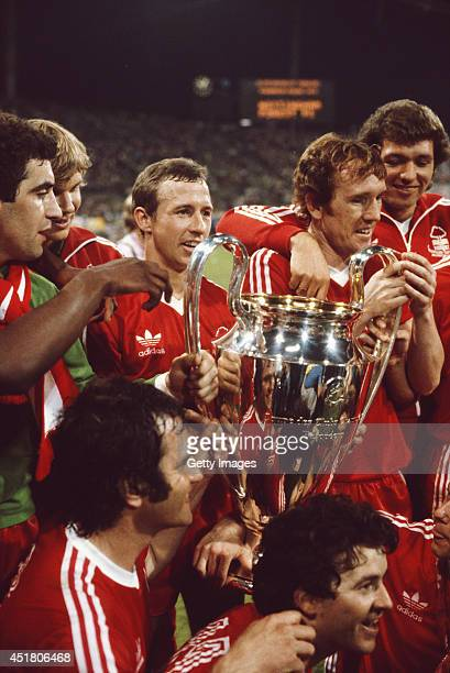 Triumphant Nottingham Forest players Peter Shilton Chris Woods captain John McGovern Ian Bowyer and David Needham front row of Larry Lloyd and John...