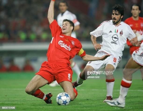 UEFA Champions League Saison 2004/2005 Finale AC MailandFC Liverpool 56 nach Elfmeterschießen Foul von Mailands Gennaro Gattuso gegen Liverpools...