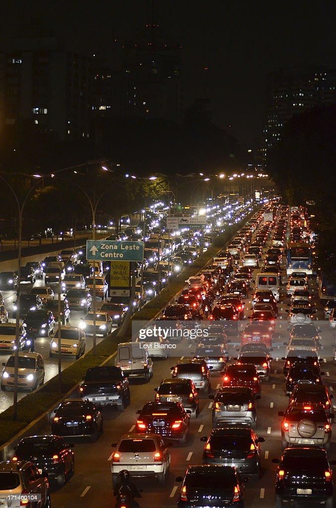 Trânsito Complicado : Stock Photo