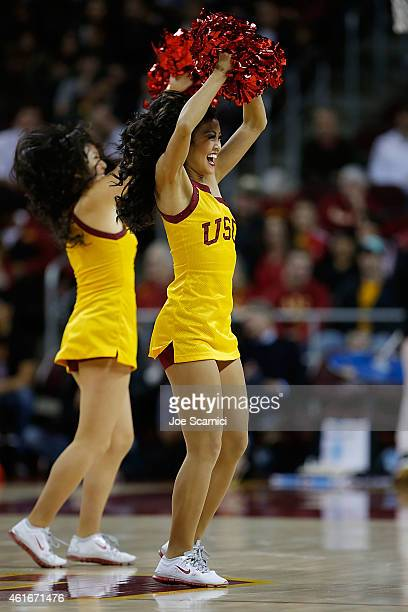 Usc Cheerleaders Stock Photos and Pictures | Getty Images