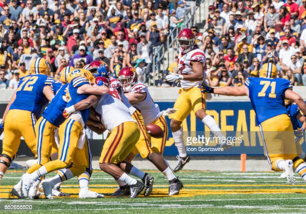Trojans linebacker Uchenna Nwosu targets a loose ball during the regular season game between the USC Trojans verses the California Golden Bears on...