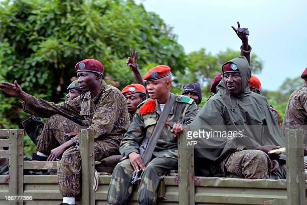 FARDC troops commence an offensive in Rutshuru against M23 rebels on Mbuzi mountain on November 3 2013 Democratic Republic of Congo's army on Monday...
