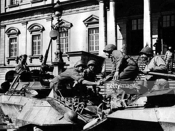 Troops of the 3rd US Army greet soldiers of the 7th US Army in Autun