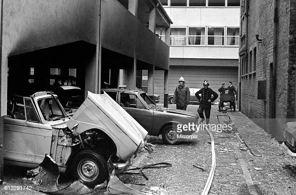 Troops seal off Belfast city centre following a car bomb explosion behind Belfast City Hall September 1971 718425003