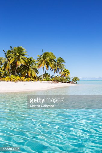 Tropical beach and turquoise sea, Aitutaki